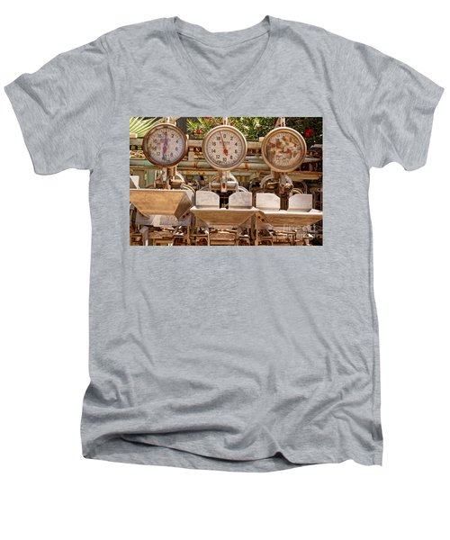 Farm Scales Men's V-Neck T-Shirt