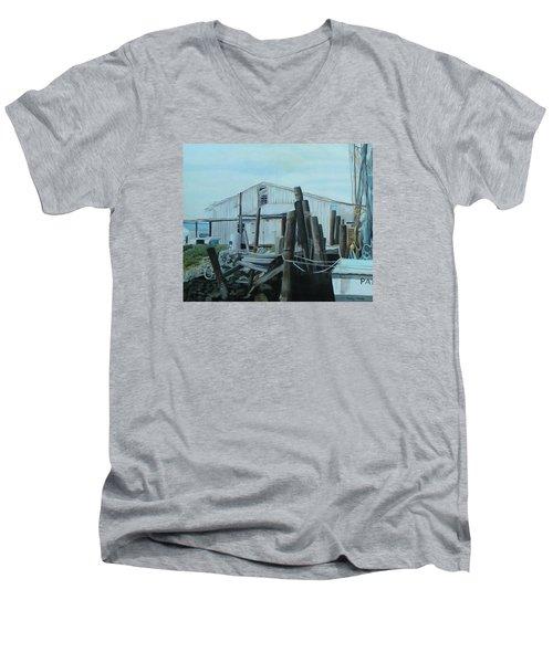 Fazios Men's V-Neck T-Shirt