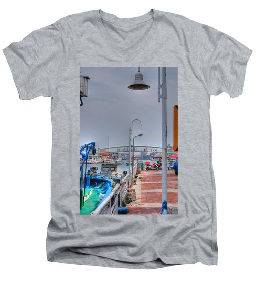 Fisherman's Wharf Taiwan Men's V-Neck T-Shirt