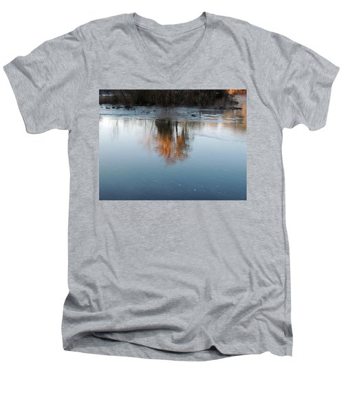Men's V-Neck T-Shirt featuring the photograph Flint River 21 by Kim Pate