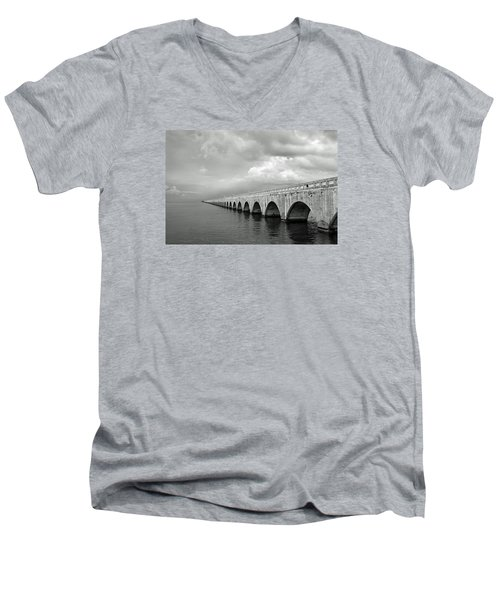 Florida Keys Seven Mile Bridge Black And White Men's V-Neck T-Shirt