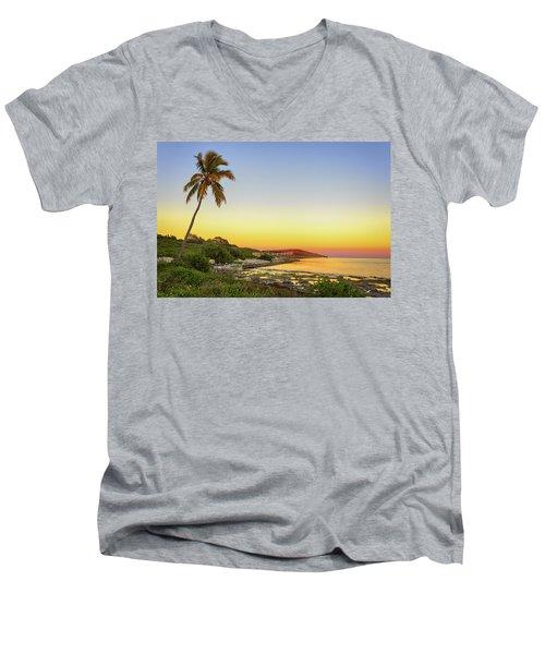 Florida Keys Sunset Men's V-Neck T-Shirt