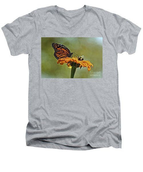 Flower Duet Men's V-Neck T-Shirt