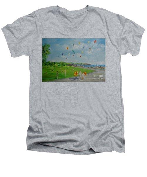 Flying Kites Newport Ri Men's V-Neck T-Shirt