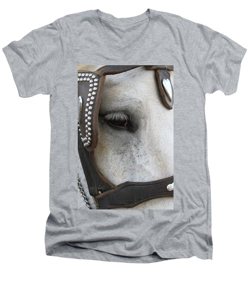 Men's V-Neck T-Shirt featuring the photograph Focused On Pulling by Laddie Halupa