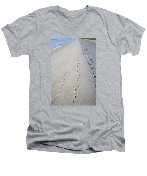 Footprints And Pawprints Men's V-Neck T-Shirt