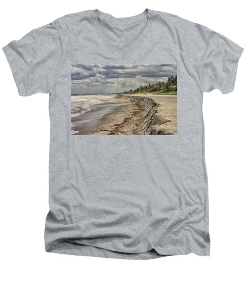 Footprints In The Sand Men's V-Neck T-Shirt