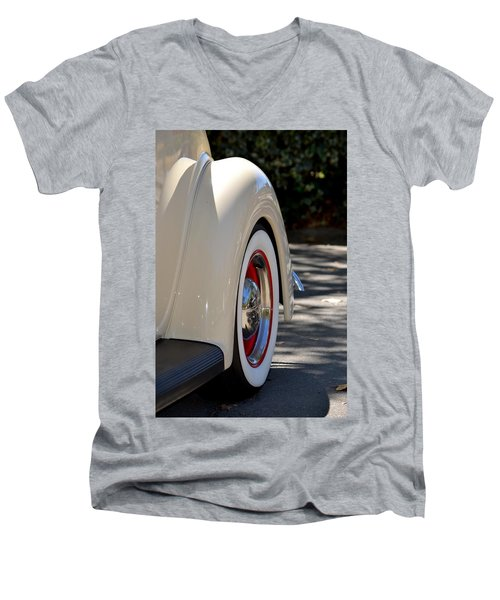 Ford Fender Men's V-Neck T-Shirt