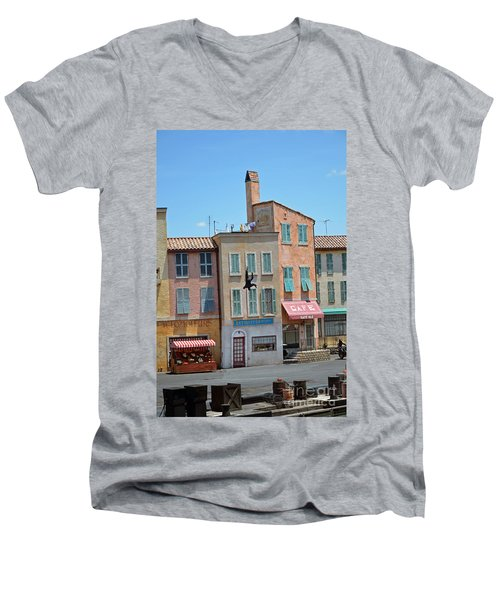 Men's V-Neck T-Shirt featuring the photograph Freefall by Robert Meanor