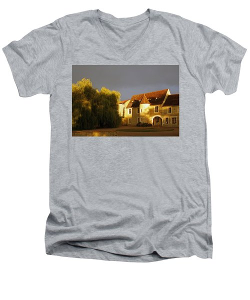 French House At Sunset Men's V-Neck T-Shirt
