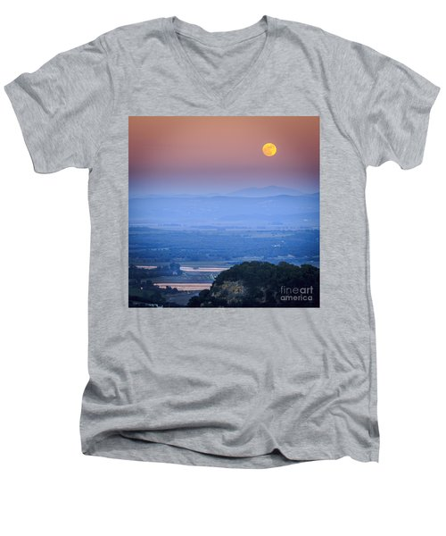 Full Moon Over Vejer Cadiz Spain Men's V-Neck T-Shirt