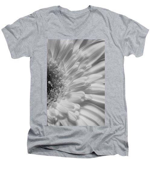 Gerbera Men's V-Neck T-Shirt