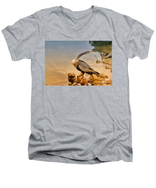 Giving The Look Men's V-Neck T-Shirt