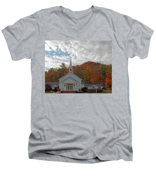 Glenville In Autumn  Men's V-Neck T-Shirt