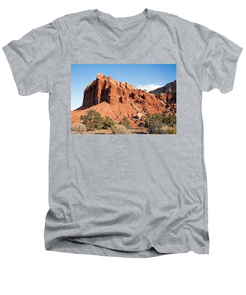 Golden Throne Capitol Reef National Park Men's V-Neck T-Shirt