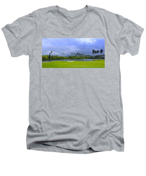 Golfer's Paradise Men's V-Neck T-Shirt