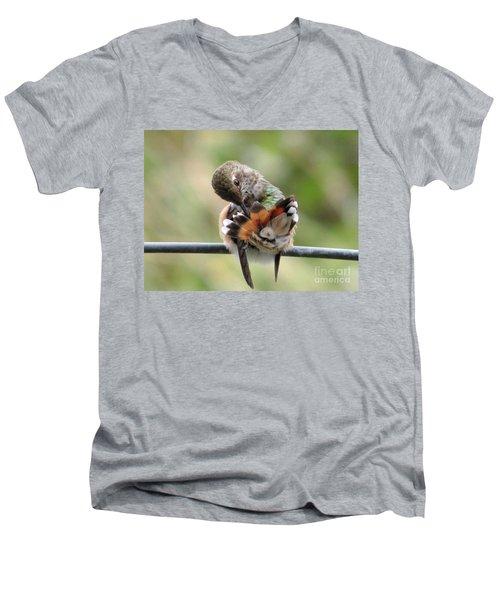 Good Grooming Men's V-Neck T-Shirt