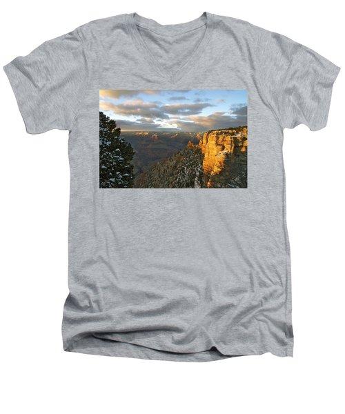Grand Canyon. Winter Sunset Men's V-Neck T-Shirt