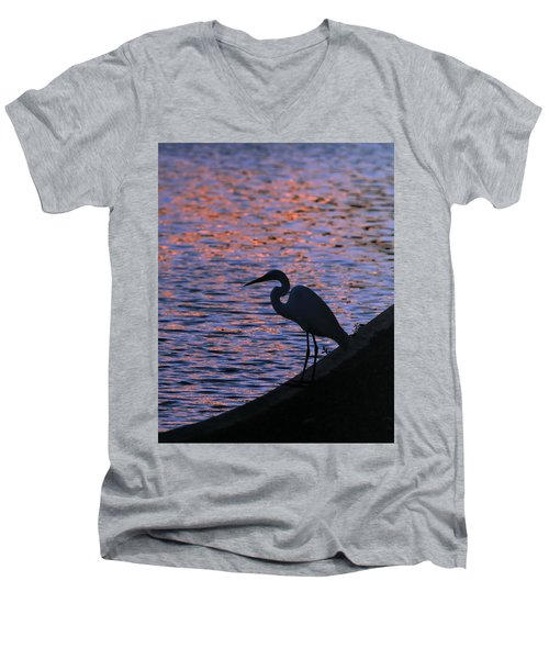 Great White Egret Silhouette  Men's V-Neck T-Shirt