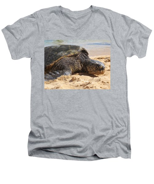 Green Sea Turtle 2 - Kauai Men's V-Neck T-Shirt