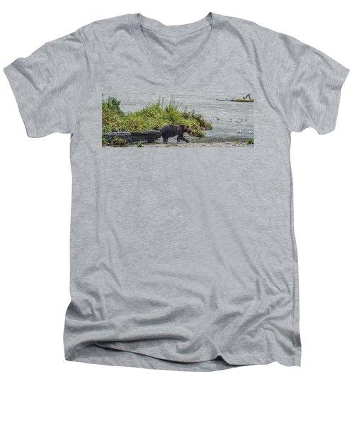 Grizzly Bear Late September 4 Men's V-Neck T-Shirt