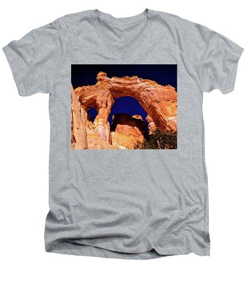 Grosvenor Arch Sunset Kodachrome Basin Men's V-Neck T-Shirt