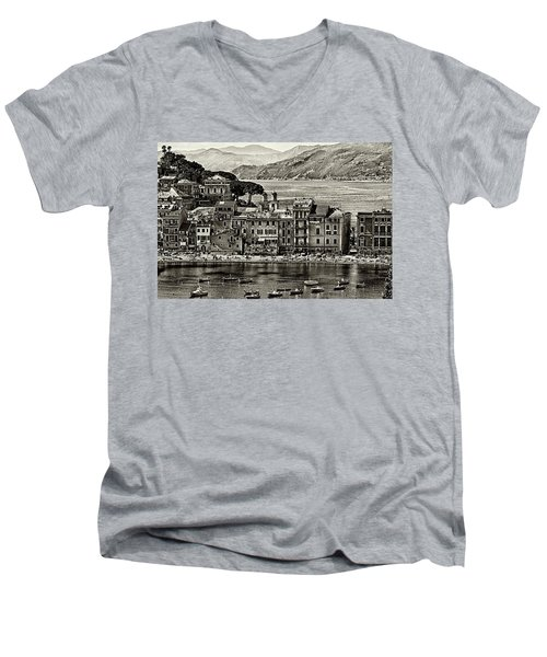 Grunge Seascape Men's V-Neck T-Shirt