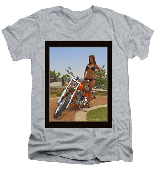 H-d_c Men's V-Neck T-Shirt