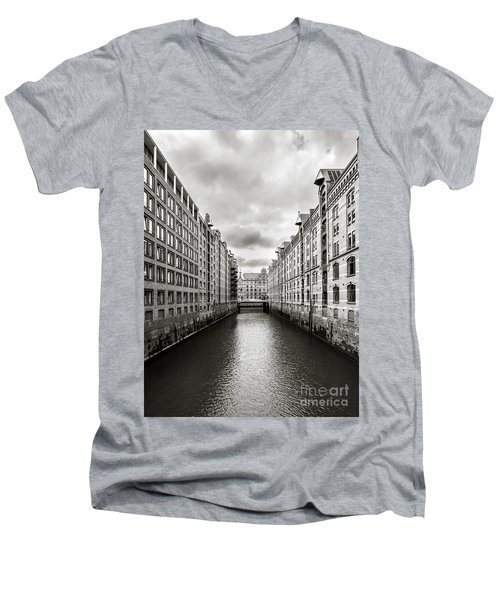 Hamburg Speicherstadt Men's V-Neck T-Shirt