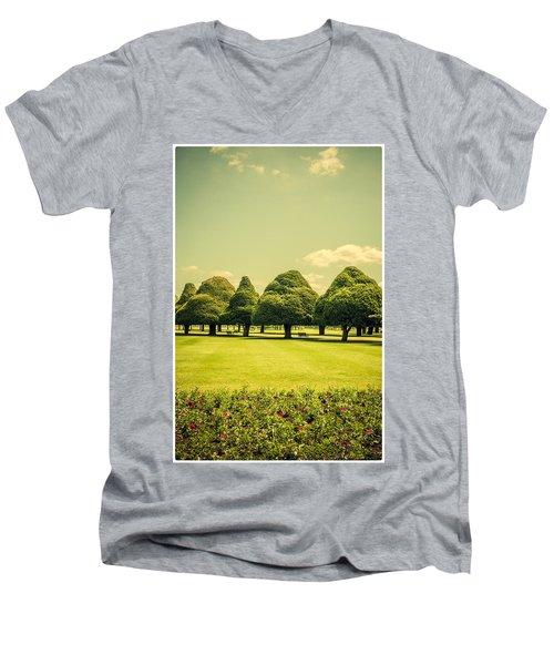 Hampton Court Palace Gardens Summer Colours Men's V-Neck T-Shirt