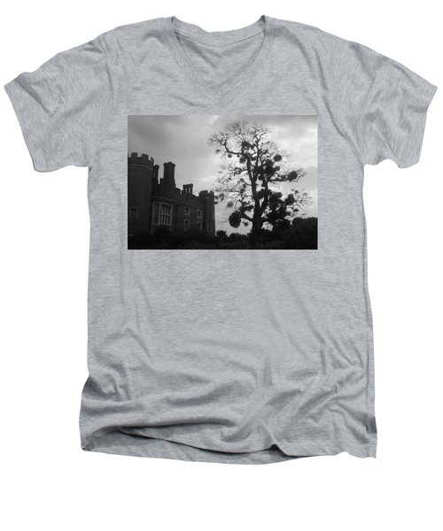 Hampton Court Tree Men's V-Neck T-Shirt