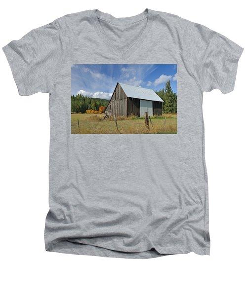 Hardy Creek Road Barn Men's V-Neck T-Shirt