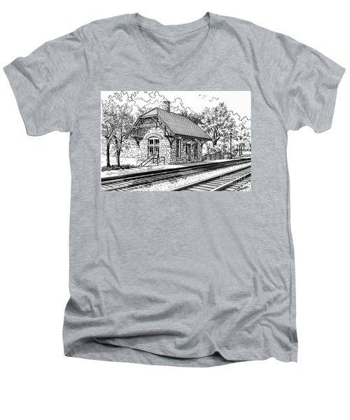 Highlands Train Station Men's V-Neck T-Shirt