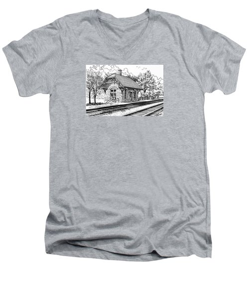Highlands Train Station Men's V-Neck T-Shirt