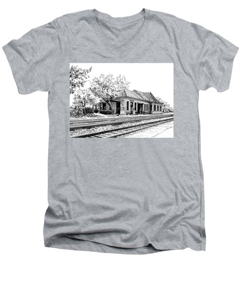 Hinsdale Train Station Men's V-Neck T-Shirt