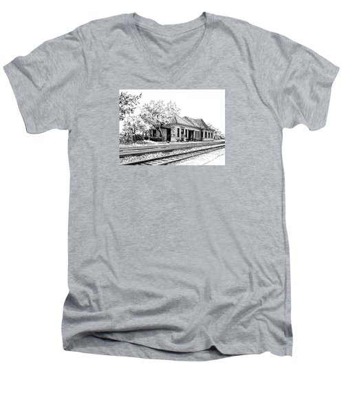 Hinsdale Train Station Men's V-Neck T-Shirt