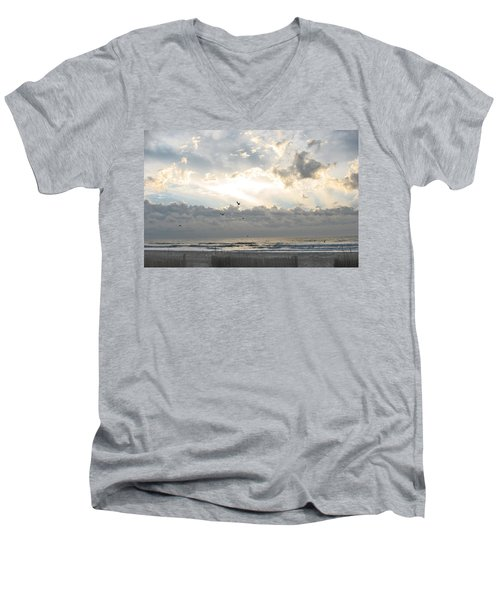 His Glory Shines Men's V-Neck T-Shirt