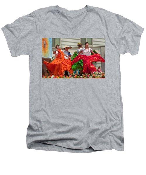 Hispanic Women Dancing In Colorful Skirts Art Prints Men's V-Neck T-Shirt
