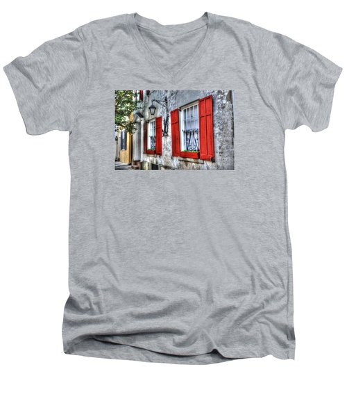 Historic Charleston Pirates House Men's V-Neck T-Shirt