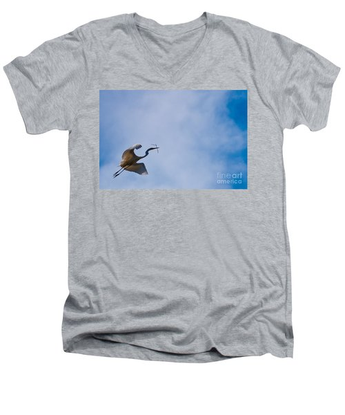 Hopeful Egret Building A Home  Men's V-Neck T-Shirt