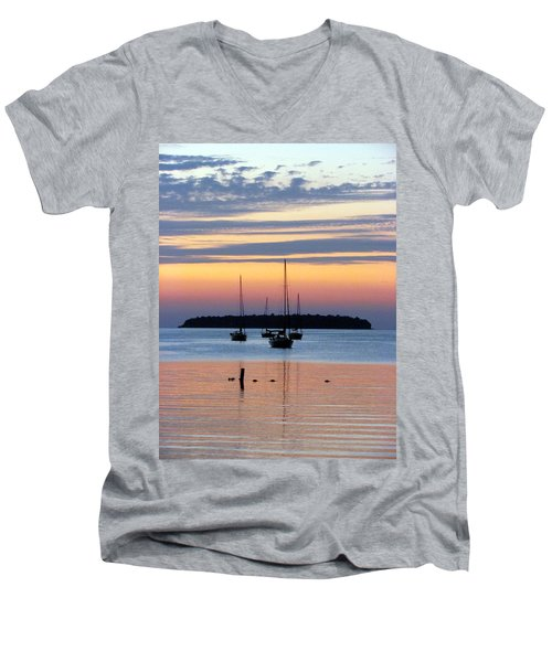 Horsehoe Island Sunset Men's V-Neck T-Shirt