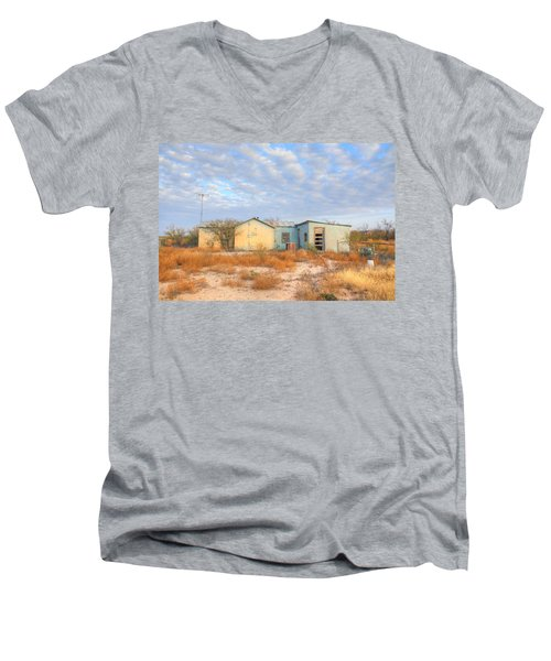 House In Ft. Stockton Iv Men's V-Neck T-Shirt