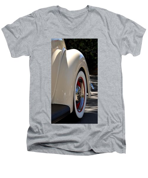 Men's V-Neck T-Shirt featuring the photograph Hr-40 by Dean Ferreira