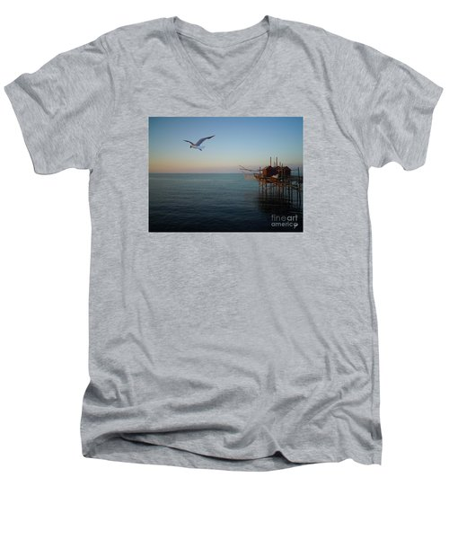 Il Trabucco - The Trebuchet Fishing Men's V-Neck T-Shirt