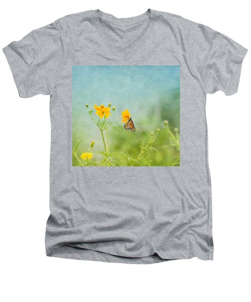 In The Garden - Monarch Butterfly Men's V-Neck T-Shirt