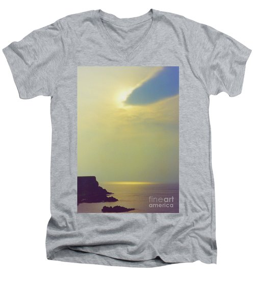 Ireland Giant's Causeway Ethereal Light Men's V-Neck T-Shirt