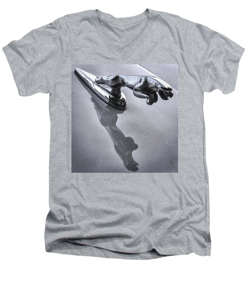 Jaguar Leaper And Reflection Men's V-Neck T-Shirt