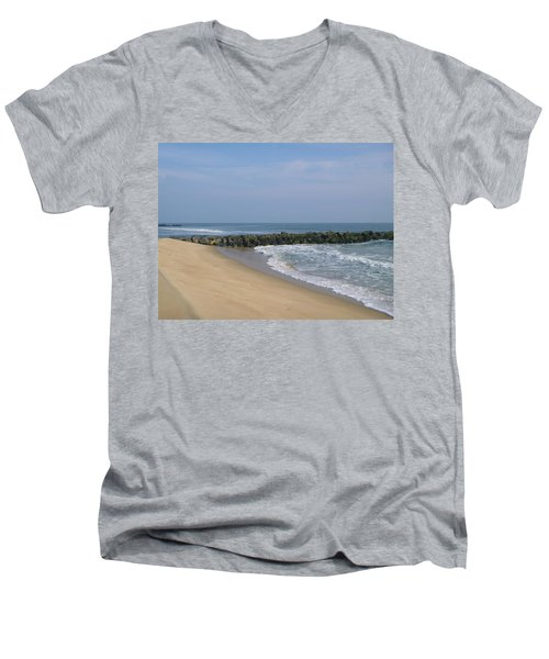 Jetty In Winter Men's V-Neck T-Shirt