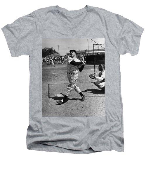 Joe Dimaggio Hits A Belter Men's V-Neck T-Shirt