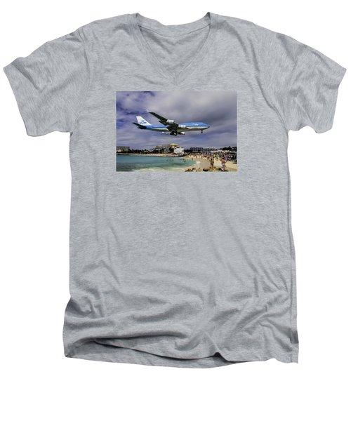 K L M Landing At St. Maarten Men's V-Neck T-Shirt